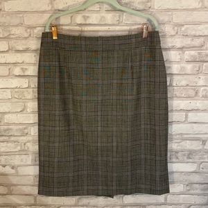 Banana Republic Gray & Black Plaid Skirt Size 14